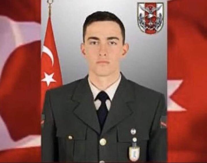 İdlip de devam eden Bahar Kalkanı Harekatın'da İzmirli Piyade Uzman Çavuş Mustafa Muhammed Ak şehit düşmüştür. Şehidimize Allah'tan rahmet, acılı ailesine sabırlar diliyoruz.