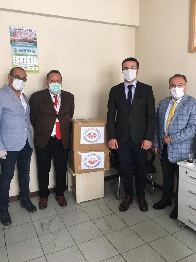 İzmir İl Sağlık Müdürlüğü Sağlık Hizmetleri İlaç ve Tıbbi Cihaz Hizmetleri Başkanlığı Cihaz ve Biyomedikal Birimine Koruyucu Gözlük Bağışı
